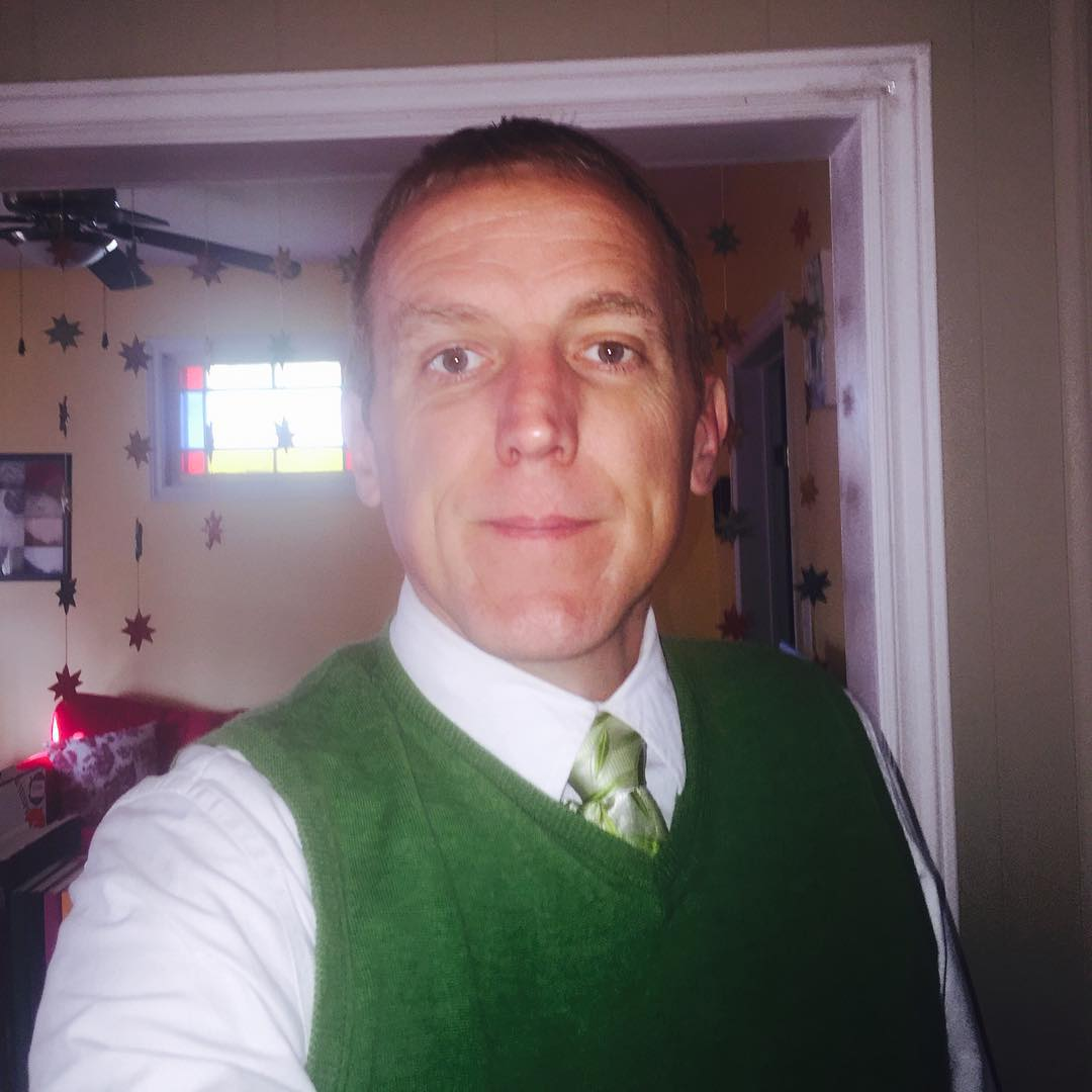 Probably my last #tiedayfriday inside our house on Summer St. Also wearing #upei Panther green.