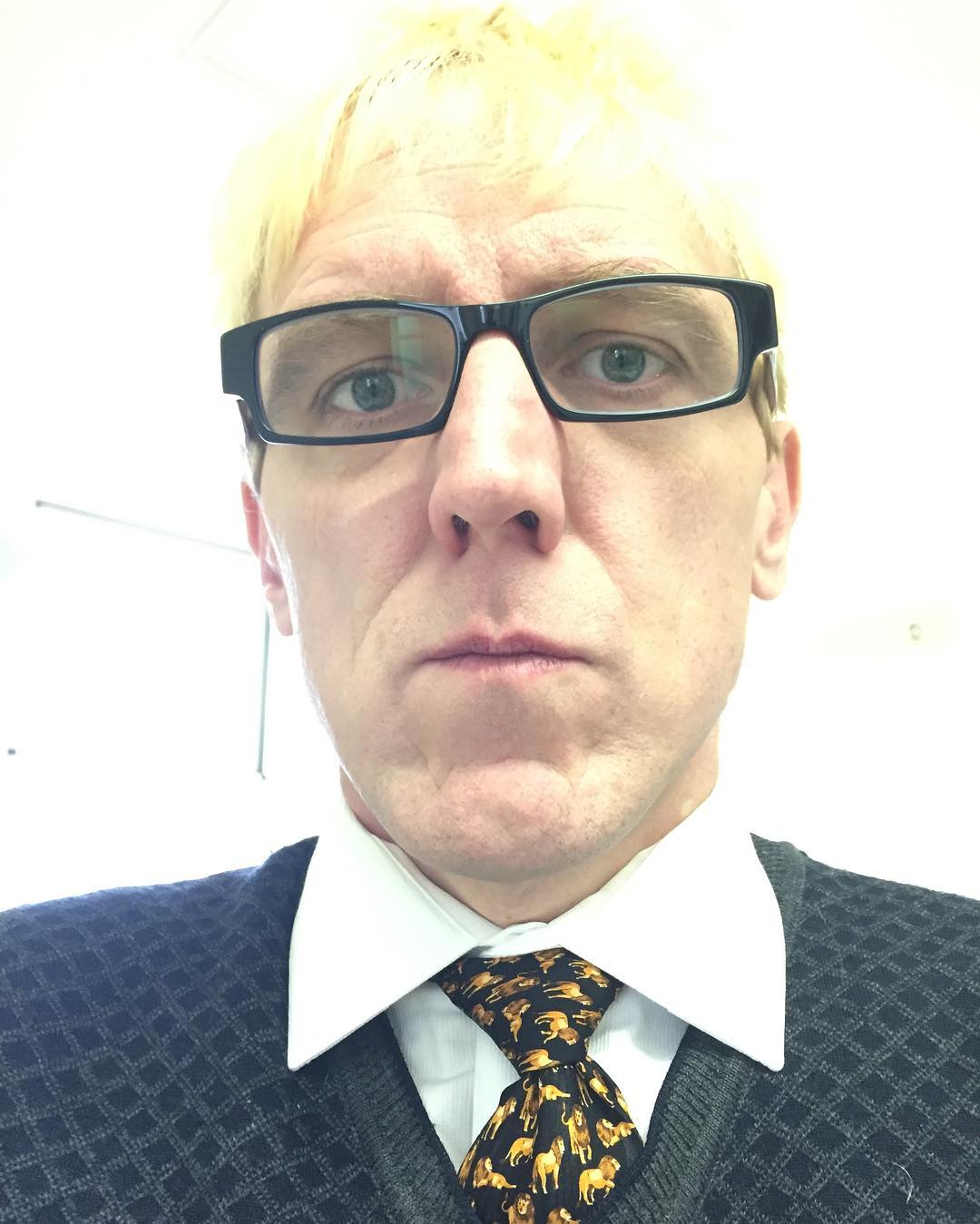 First #tiedayfriday of 2017 – I proclaim the year of the lion – inspired by @lawriephipps' snipe tie. (Also wearing metal collar stays for the first time)