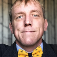 Week 3 of #beeschool & #tiedayfriday mashup. Tie c/o Marcus Elliot. FWIW – send me a bee related tie to wear and I'll send you a tie in return. Include your address with tie ;)