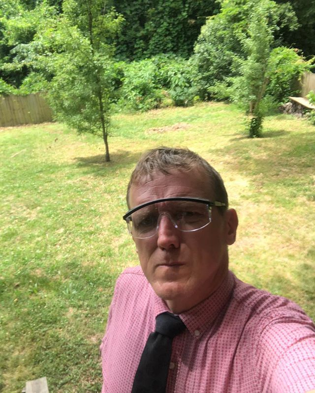 Half day @davidsoncollege for appreciation day allows me to work on all those green vines in the corner for #tiedayfriday