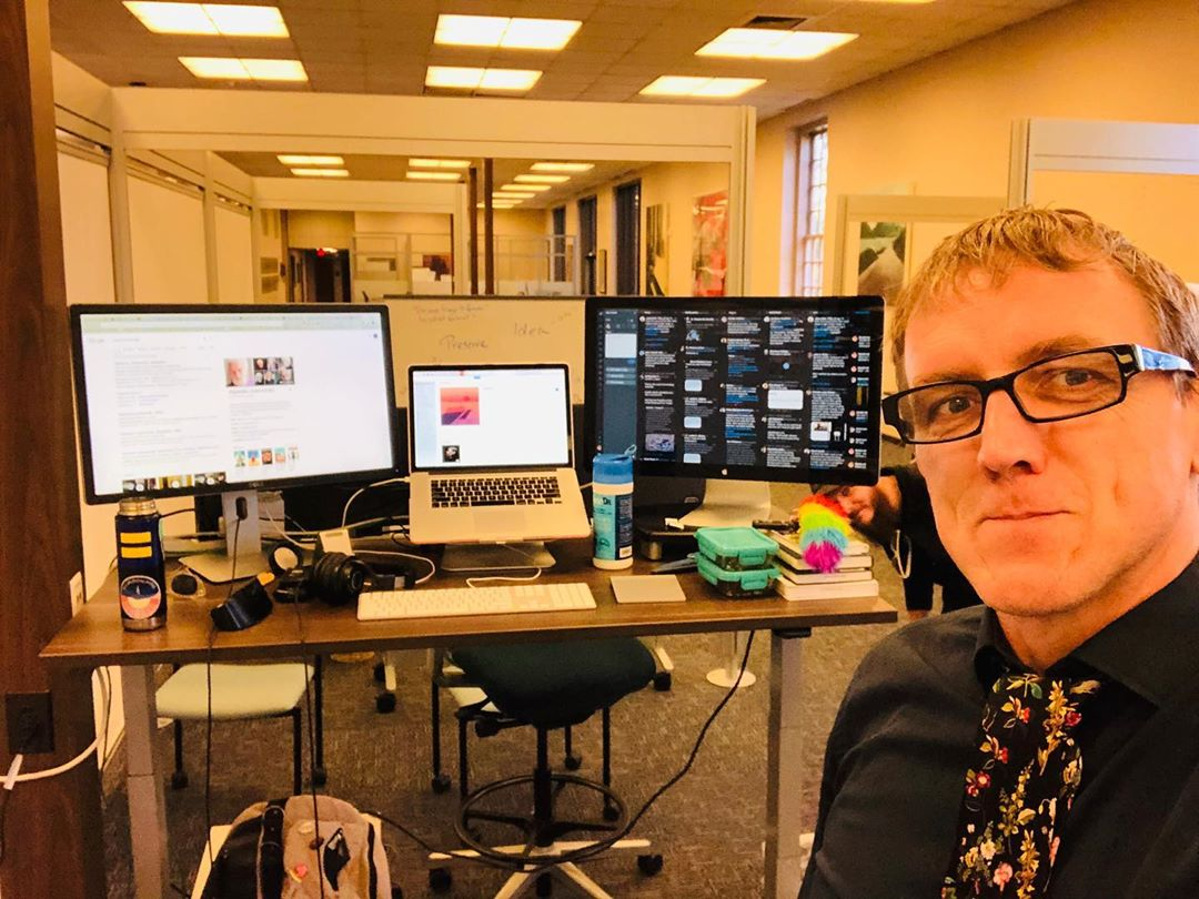 """Our new office is up @davidsonlibrary, at whit's @sundilu and I were told we looked like famous people that were """"too big"""" for this town, and I got photobombed by my awesome colleague this #tiedayfriday"""